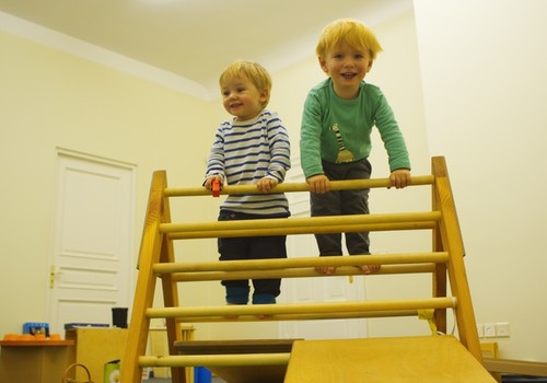 Skolēnu brīvlaikā pievēršam uzmanību bērnu drošībai.