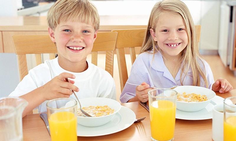 Valmierā pirmklasnieki saņems bez maksas ēdināšanu!