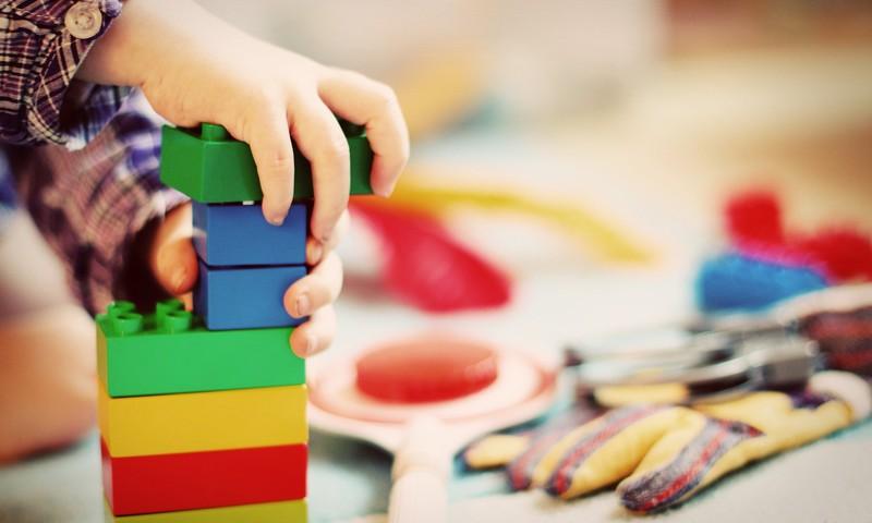 Rīgas bērnudārzi pagaidām turpina darbu; ieviesti jauni drošības pasākumi