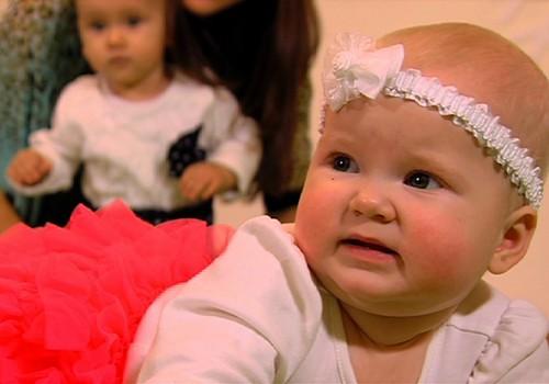 """04.01.2015.TV3: dārgakmeņu masāža, gulēšana kopā ar bēbīti, jauns seriāls """"Bēbis dodas pasaulē"""""""