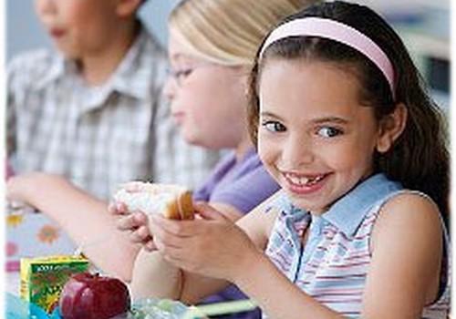 Skolu ēdnīcās nav piemērots, veselīgs un sabalansēts uzturs