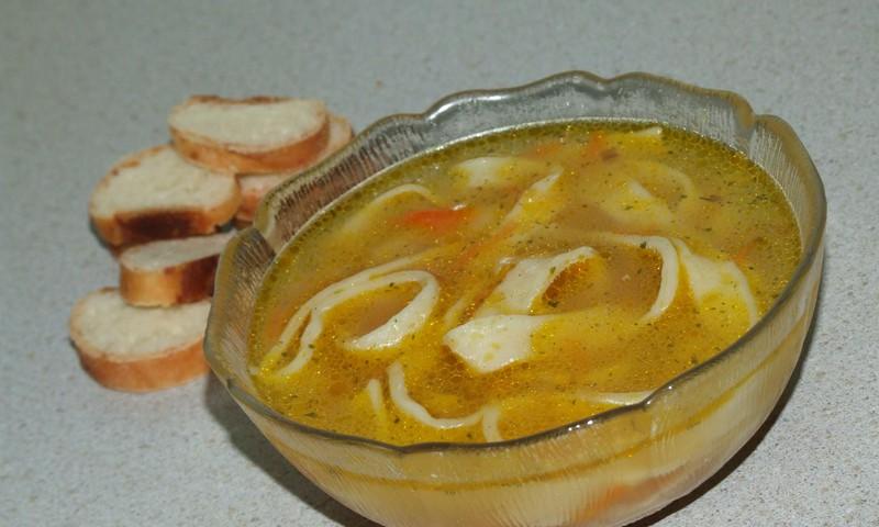 Zupa ar pašu gatavotām nūdelēm
