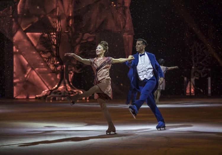 Pasaulslavenais cirks Cirque du Soleil par savu jauno izrādi CRYSTAL