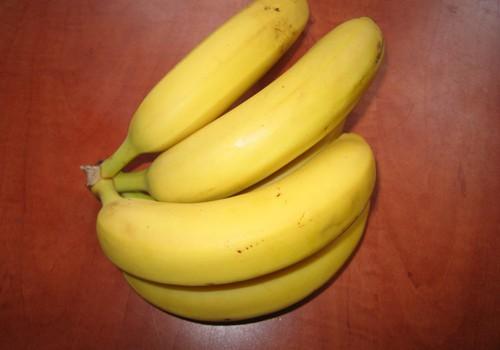 Banāna un piena maska lūpu skaistumam
