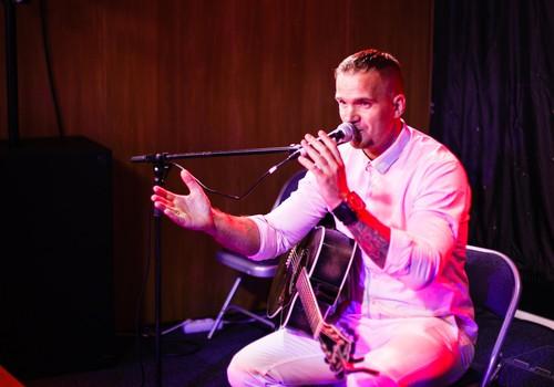 FOTO no Māmiņdienas kruīza koncerta: Paldies par dziesmām sakām Andrim Kivičam