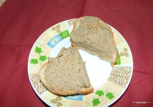 Brokastu maizītes ar pašas gatavotu aknu pastēti