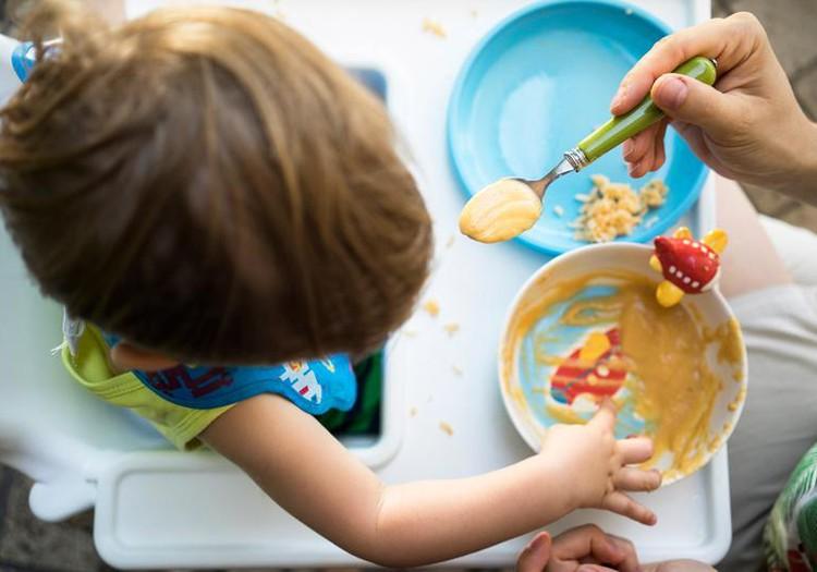 Uzzini, kādam jābūt mazuļa uzturam pēc gada vecuma
