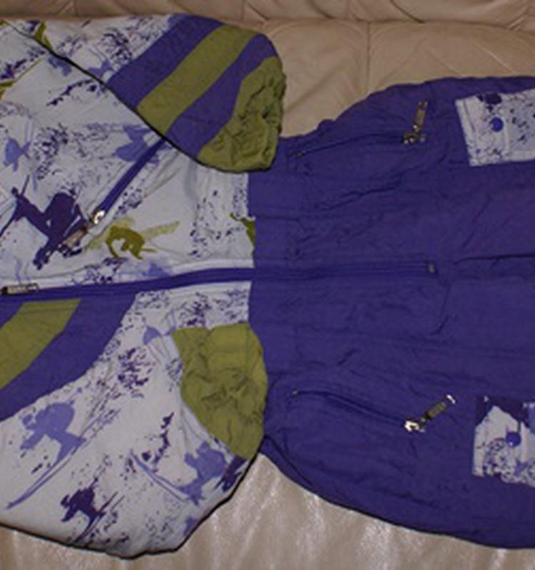 Maiss ar teicamām puišu drēbēm + slēpošanas kombinezons