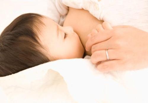 Aizcietējums ar krūts pienu barotiem bērniem