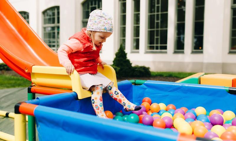 Huggies® padomi. Bērnu drošība rotaļu laukumos!