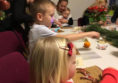 Jau piekto gadu uz Māmiņu Kluba Ziemassvētku eglīti