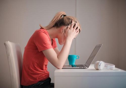 Aptauja: 62% vecāku pandēmijas dēļ izjutuši nespēju tikt galā ar lielo slodzi