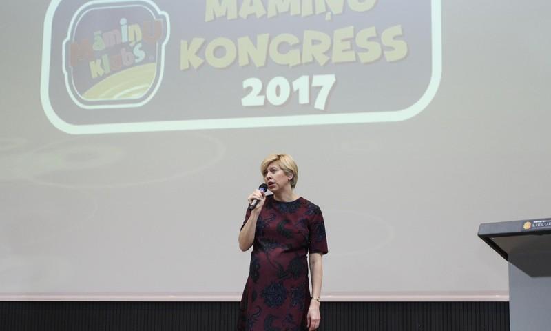 """Veselības ministre Anda Čakša: """"Par lielām un stiprām ģimenēm Latvijā"""""""