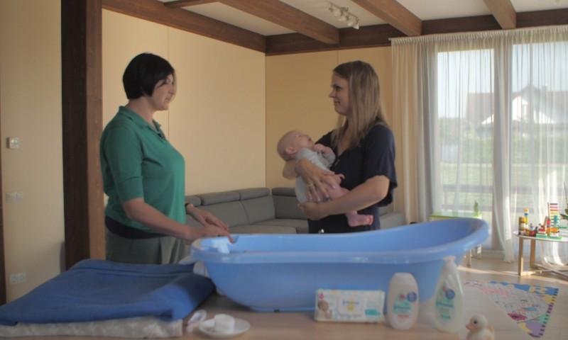 FOTOkonkurss: mazuļa vannošanās prieki