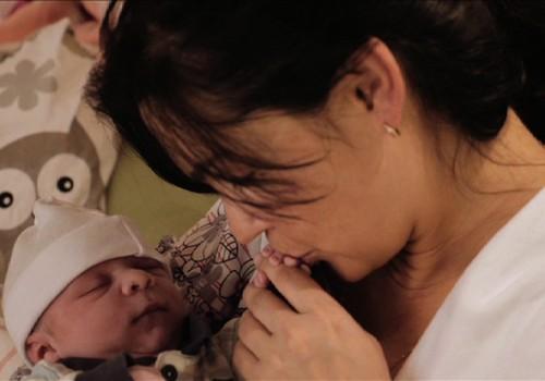 TIKAI Māmiņu Klubā: skaties ONLINE Mājdzemdību filmu