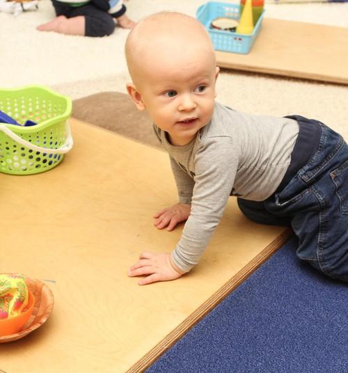 Bērna attīstība: brīdinājuma signāli, kam pievērst uzmanību līdz 3 gadu vecumam