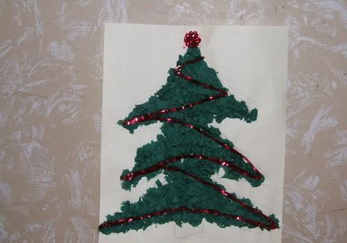 Turpinām vingrināt pirkstiņus un gatavot Ziemassvētku dekorus!