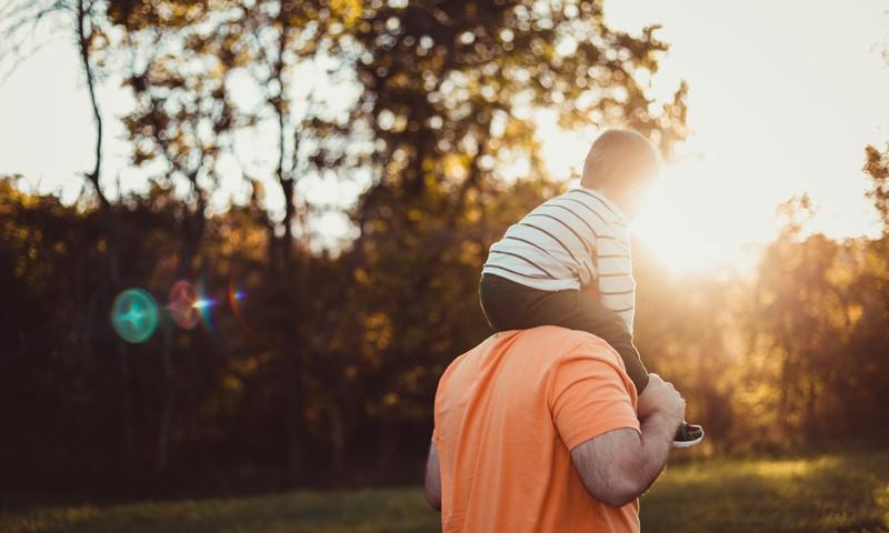 Mūsdienu tēti ar bērniem pavada 3 reizes vairāk laika nekā tēti iepriekšējās paaudēs