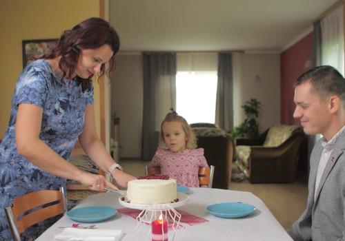 Kopīga svētku svinēšana ir vēl viens veids, kā ļaut bērnam justies svarīgam