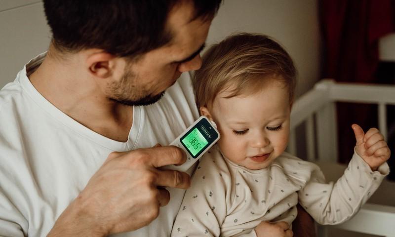 Ātrākais un precīzākais bezkontakta infrasarkanais termometrs Kidsmed Termoplus