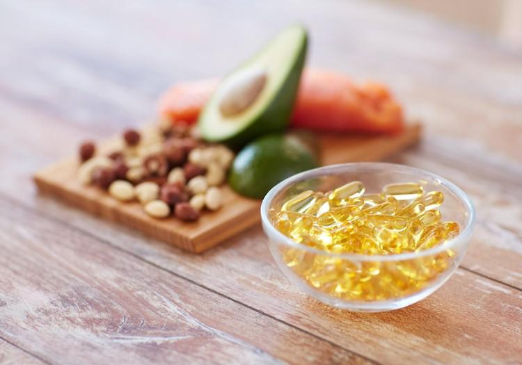 Kāpēc Omega-3 taukskābes ir svarīgas ikvienā vecumā? Skaidro farmaceite