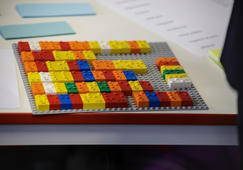 Radīti pirmie LEGO® Braila klucīši, lai veicinātu bērnu attīstību
