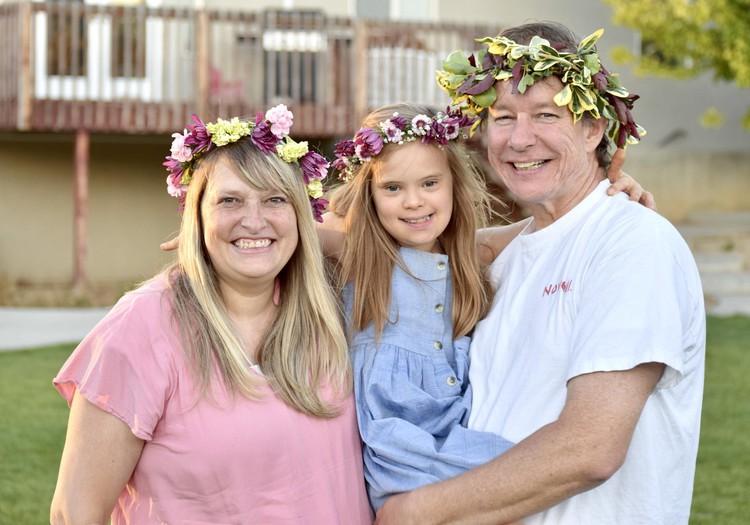 Ģimene adoptē bērnu ar Dauna sindromu. Adopcijas ceļš no Latvijas uz ASV