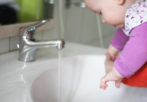 Roku mazgāšana - vienkāršākais veids, kā pasargāt sevi un bērnu no vīrusiem
