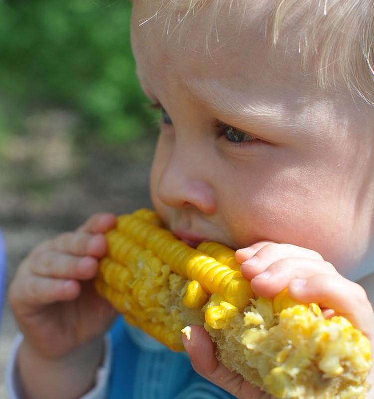 Veselīga uztura ieteikumi bērniem līdz divu gadu vecumam
