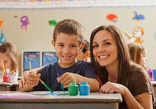 Vidusskolēnu sagatavot skolas gaitām ir lētāk nekā pirmklasnieku