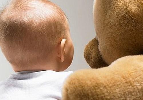 Viena mēneša bērnu tusiņi