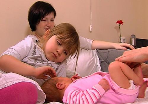 VIDEO: kādu atbalstu pēcdzemdību periodā sniedz dūla?