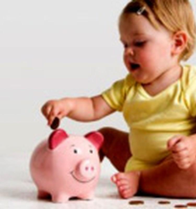 43% vecāku par piemērotāko laiku bērna uzkrājuma veidošanai uzskata bērna dzimšanas brīdi