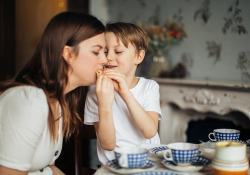 #PaliecMājās: Idejas rotaļām, kad bērns grib spēlēties, bet mamma ir nogurusi