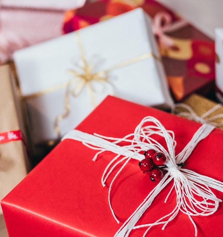 Aicina iepriecināt savus mīļos ar vēstuli no Ziemassvētku vecīša, vienlaikus ziedojot bērnībai bez vardarbības