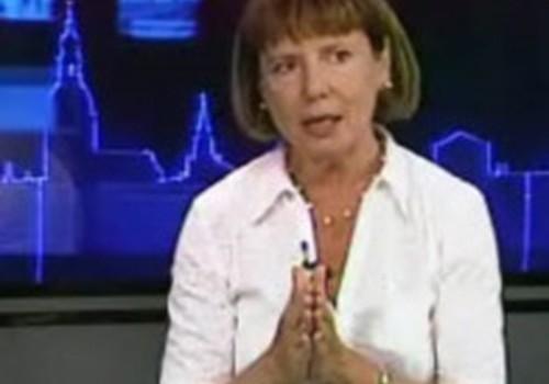 """Apgāda """"Zvaigzne ABC"""" vadītāja: vecākiem vajadzētu vērsties Satversmes tiesā"""