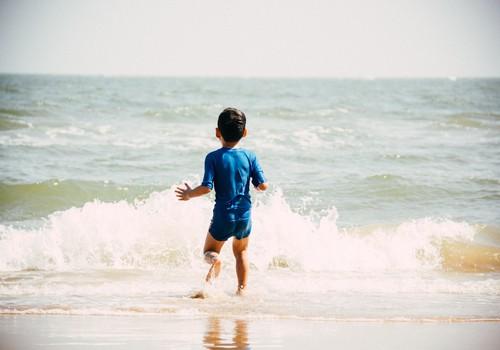 No bērna plunčāšanās ūdenī līdz nelaimei ir vien dažas sekundes