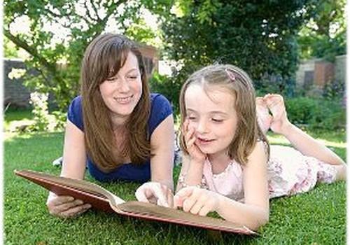 Vai uzsākot skolas gaitas, bērna lasītprasme ir obligāta?