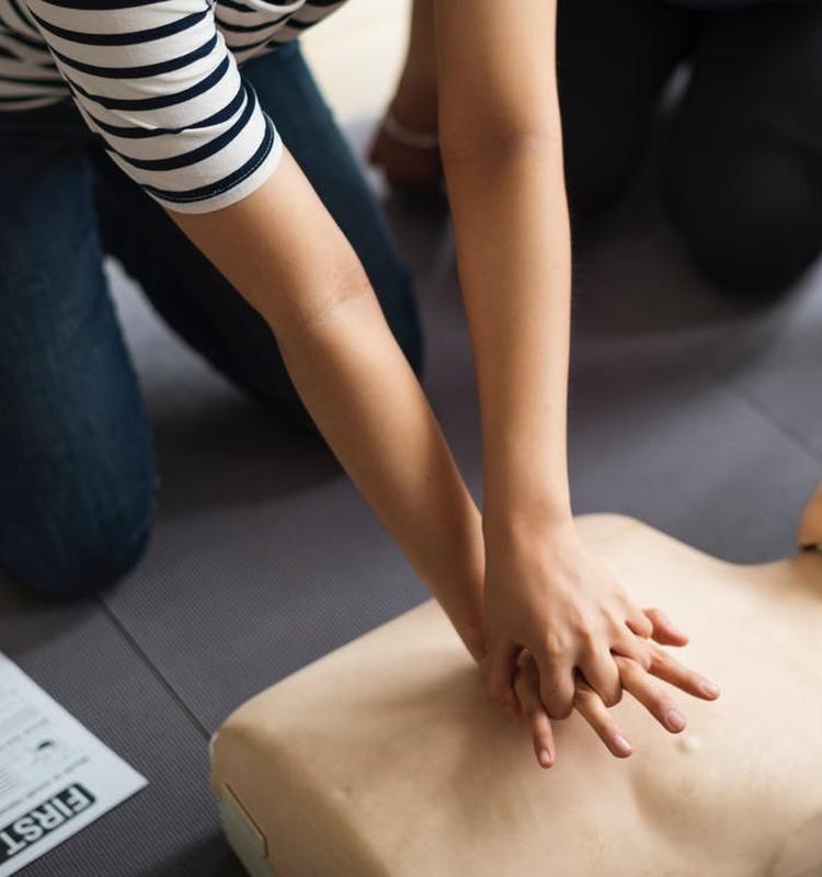 Pirmās palīdzības sniegšanas ABC bērnam: Tu vari iemācīties reaģēt akūtās situācijās