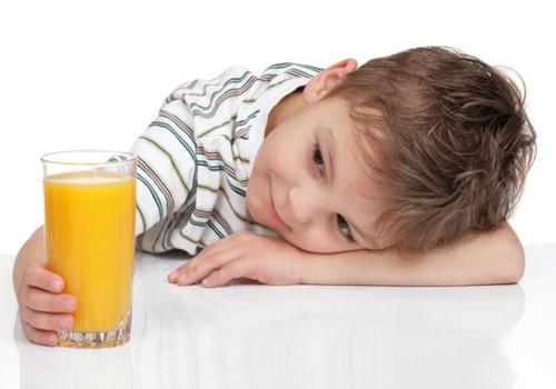 APTAUJA: 46% vecāku katru dienu uzturā lieto līdz 400g augļu un dārzeņu