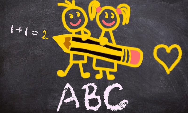 Savākti jau vairāk nekā 7 500 parakstu PRET sešgadnieku sūtīšanu skolā