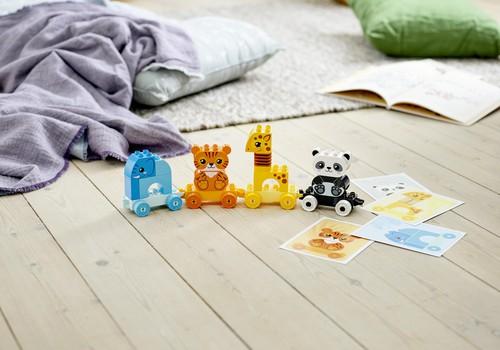 Kurš teicis, ka spēlēties nevar arī pieaugušie? Rotaļājies kopā ar bērnu un izbaudi priekpilno laiku!