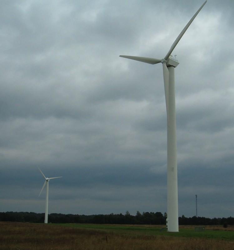 Brīdina par stipru vēju šodien!