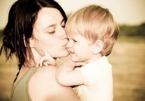 Palīdzība māmiņām ar maziem bērniem sociālā riska situācijā