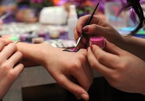 Glitter tetovējumi mazajiem jau RĪT, modes un izklaides centrā Rīga Plaza!
