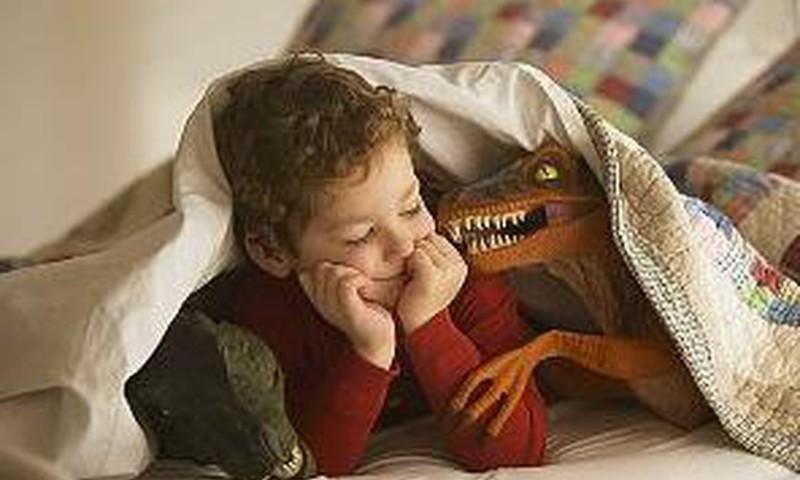 Pastāstiet bērnam par dinozauriem!
