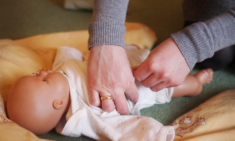 Topošā māmiņa Laura: Uz hendlingu iesaku nākt arī citiem topošajiem vecākiem!