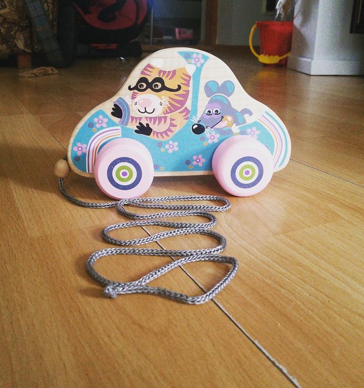 Testējam rotaļzemes dāvanu kastes labumus