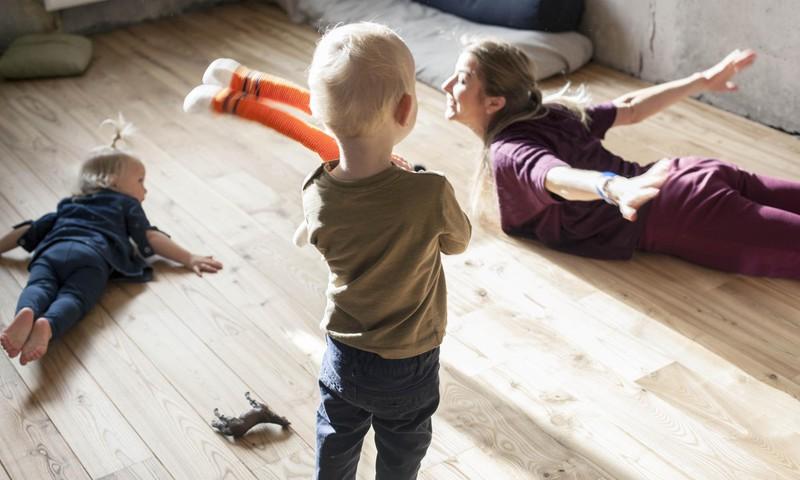 Veidojam saikni ar bērnu, izmantojot spoguļošanas metodi.