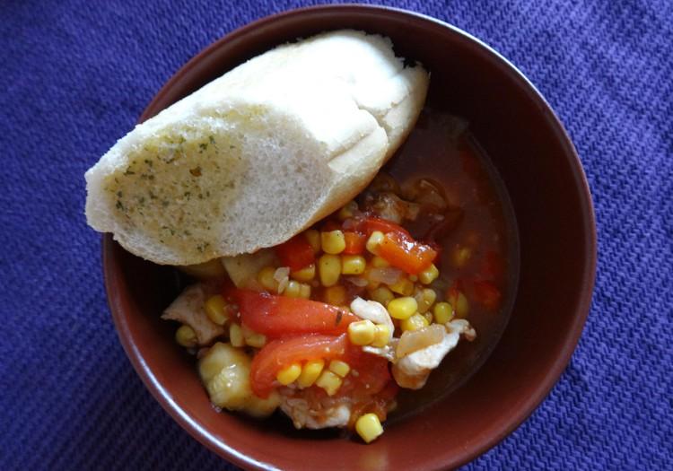 Kabaču sautējums ar tomātiem un vistu